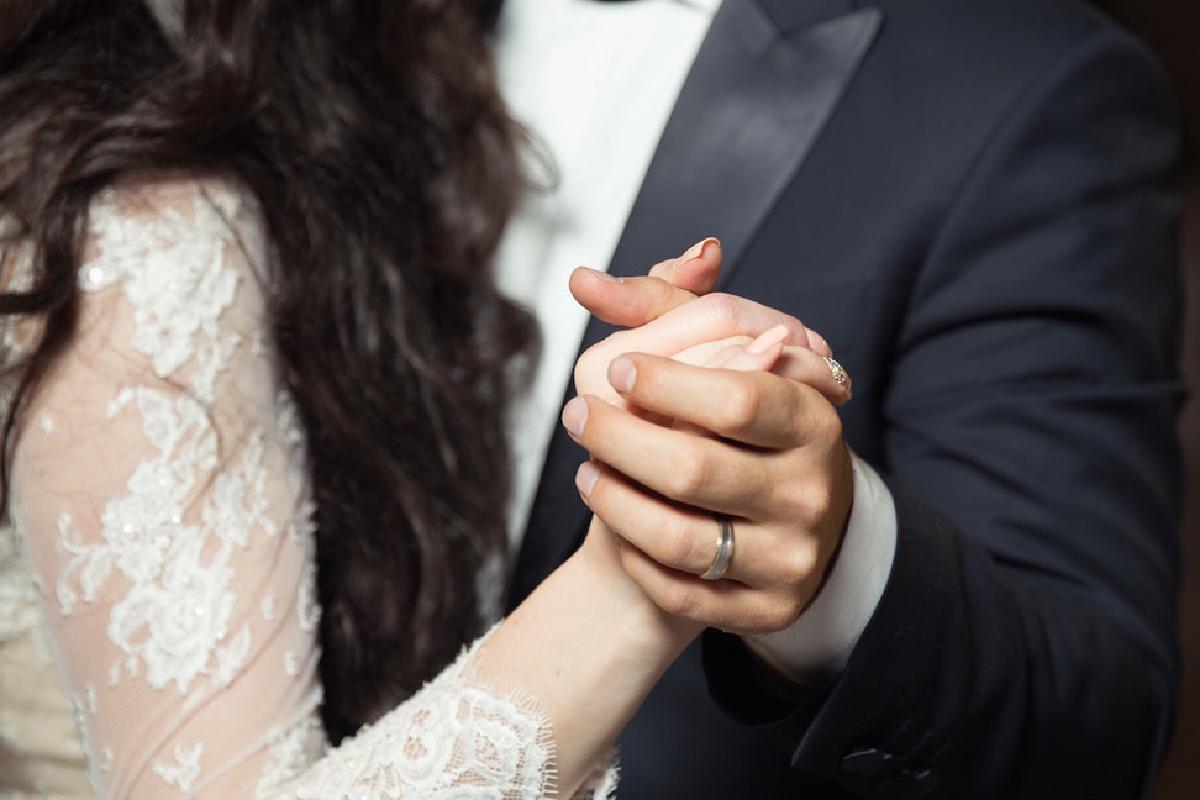 Nahaufnahme von tanzendem Ehepaar